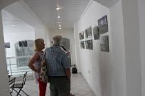 Fotografické práce absolventů akademie umění a kultury – vzdělávání III. věku jsou k vidění ve Vimperku.