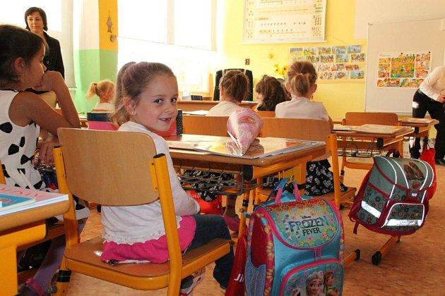 Zahájení školního roku ve Lhenicích