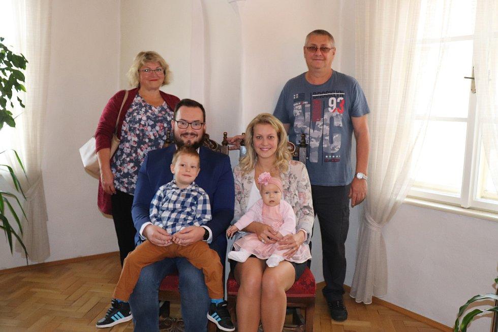 Štěpánka Borovková s rodinou.