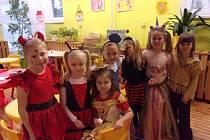 Popeleční středu prožily děti z mateřské školy Paraplíčko v České ulici v duchu karnevalu.