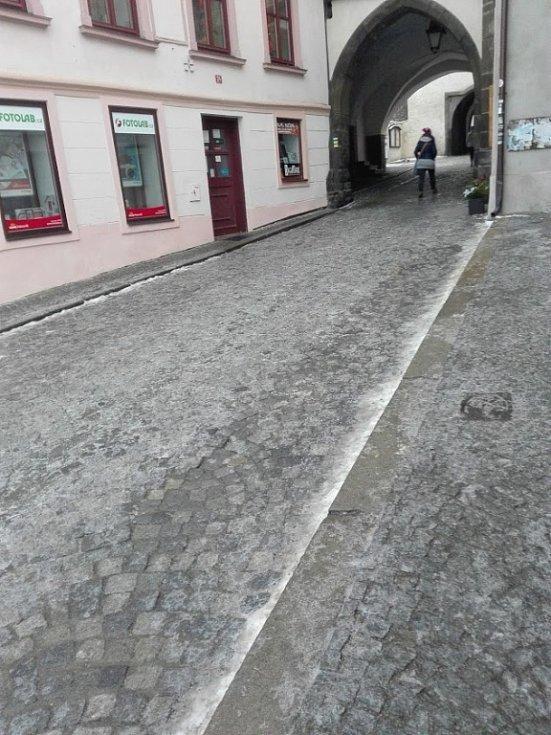 Ledovka pod prachatickou Dolní branou.