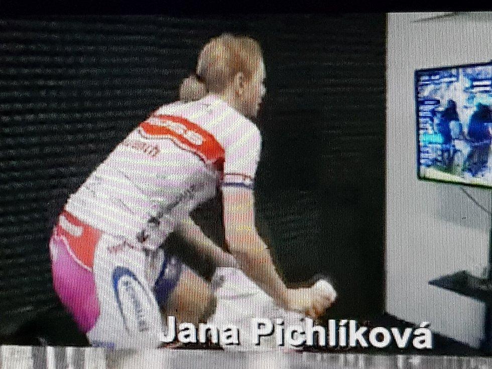 Jana Pichlíková zůstává i o třetím závodě v čele seriálu.
