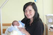 Dominik Sýkora se narodil v prachatické porodnici v sobotu 22. června ve 21.40 hodin rodičům Veronice a Vladislavovi. Při narození vážil 2560 gramů. Malý Dominik bude vyrůstat  v Prachaticích.