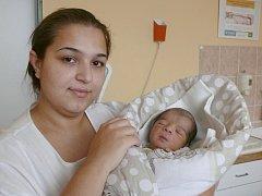 Ronaldo Lakatoš se v prachatické porodnici narodil v pátek 16. prosince ve 13.36 hodin. Vážil 2550 gramů. Rodiče Kristýna a Filip jsou z Prachatic. Na brášku se těšil dvou a půlletý Rossi.