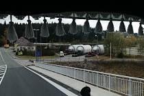 Tři nádrže do českobudějovického Budvaru vyrazí ve středu 30. října v 21 hodin z hraničního přechodu Strážný do jihočeské metropole.