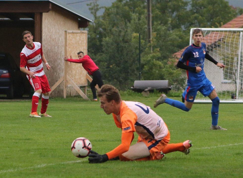 Fotbalová A třída: Lhenice - Planá u ČB 1:0.