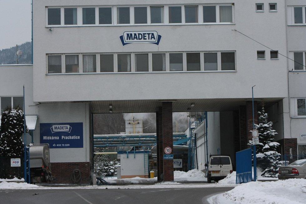 Areál výrobního závodu společnosti Madeta v Prachaticích v únoru 2012.