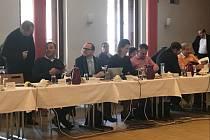 Jednání prachatického zastupitelstva skončilo po dvaceti minutách. Zastupitelé neschválili program.