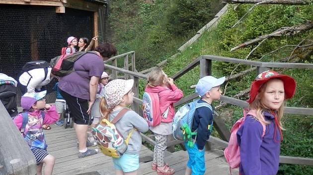 Děti ze zdíkovské mateřinky vyrazily na výlet do Borových Lad.
