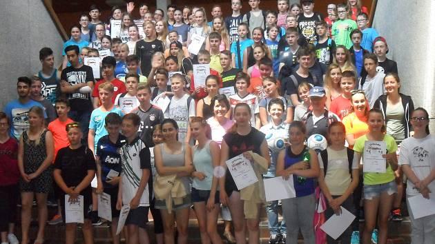 Žáci šestých a sedmých tříd ze ZŠ Vodňanská se zúčastnili turnaje tří zemí v německém Grafenau.
