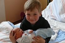 David Tomášek se narodil v prachatické porodnici v pondělí 13. května v 19.15 hodin. Při narození vážil 3,60 kilogramu. Rodiče Iveta a Michal jsou ze Strunkovic nad Blanicí. První fotografování si nenechal ujít čtyřletý bráška Jakub.