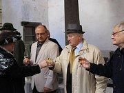 Tradiční přehlídku zahájila dražba sýrů a vín.