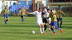V pošumavském derby Čkyňští (pruhované dresy) přehráli Stachy 4:0.