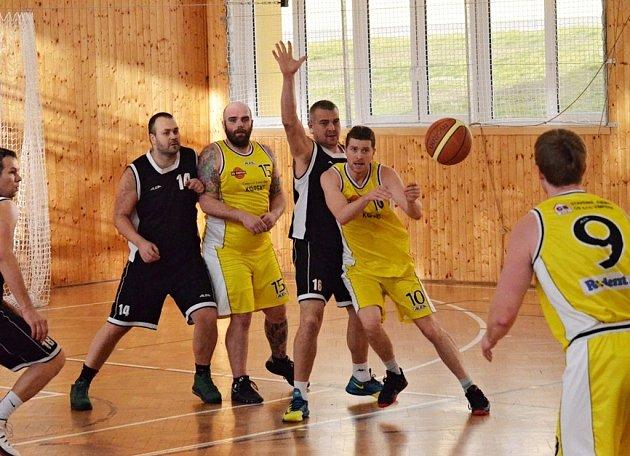 Vimperští basketbalisté bojují o střed tabulky.