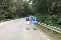 Poslední upozornění, že silnice je od Chrobol slepá, najdou řidiči u lomu v Prachaticích.