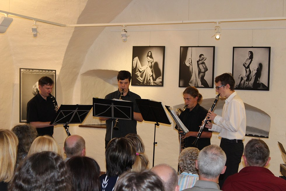 V Galerii Dolní brána odehráli studenti ZUŠ Prachatice svůj absolventský koncert.