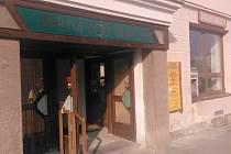 Jídelna Pod Branou v Prachaticích, stejně jako cukrárna Vanesa odstranily vše, co jim potravinářská inspekce vytkla a opět jsou v provozu.