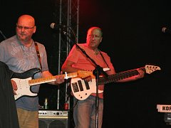 Skupina Buty zahrála v Prachaticích na Parkáně.