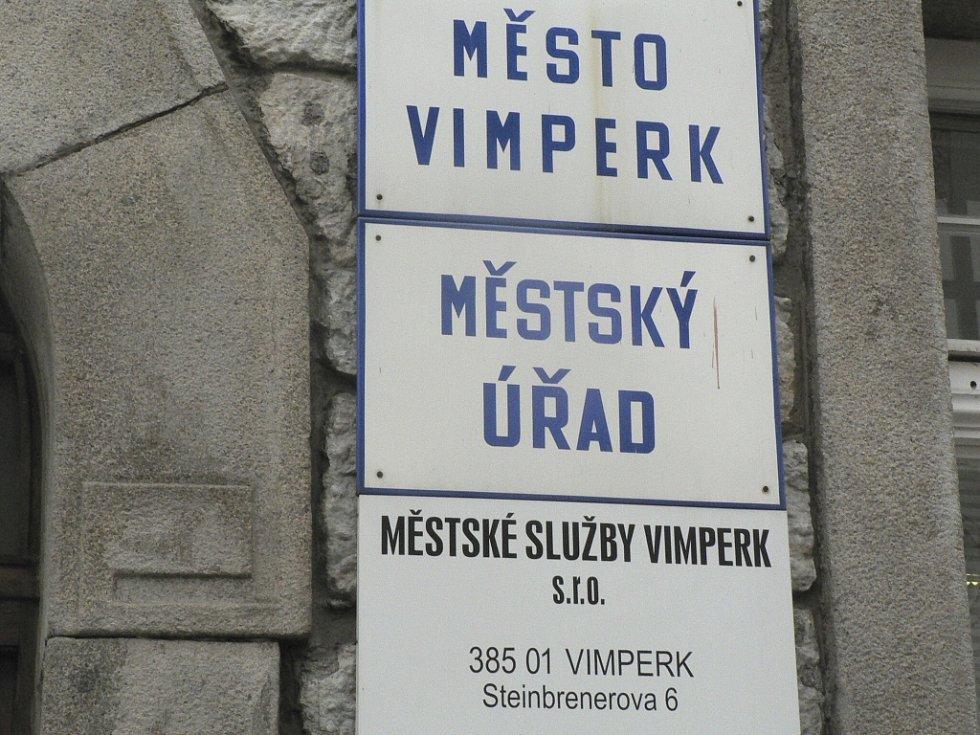 Pavel Dub dostal za úkol sestavit takovou bilanci, aby byla reálná pro vimperskou městskou kasu. Ilustrační foto.