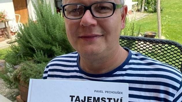 Pavel Pechoušek svou knihou o historii Čkyně.