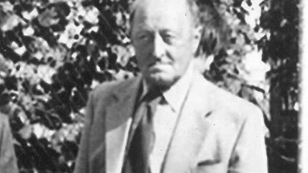 Josef Uhlíř.