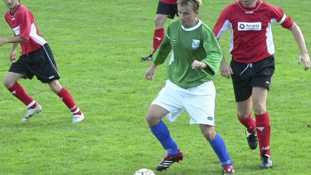 Fotbalisté Svaté Maří (zelené dresy) se rozešli smírně 4:4 se Ktiší