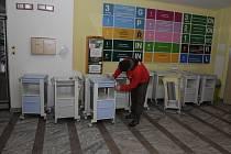 Nové noční stolky pro pacienty prachatické nemocnice.