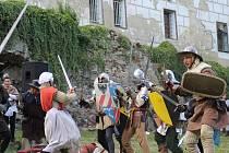 Zámecké arkády ve Vimperku hostily historické slavnosti, jejichž součástí byla i Bitva na Winterbergu.