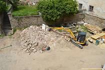 Práce na rekonstrukci vimperského zámku pokračují.