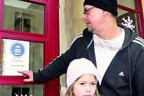 """STÁVKA. """"O dceru Lucinku se po dobu stávky postará manželka,"""" říká Miroslav Dvořák (na snímku), když zjistil, že stávka ve škole je plánována na úterý."""