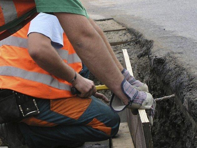Staré potrubí se stářím rozpadlo. Obecní kasa proto bude o sedmdesát čtyři tisíce korun lehčí. Ilustrační foto.