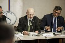 Diskuze u kulatého stolu k petici za zelenou Šumavu.