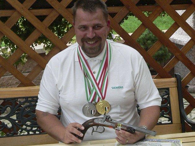 Radoslav myslík bral všechny tři medaile.
