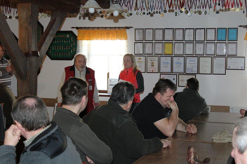 Střelnice v Hracholuskách byla dějiště dvou zajímavých závodů.