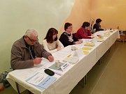 Prachatice okrsek číslo 9 v půl šesté odvolilo 142 že 409 voličů.