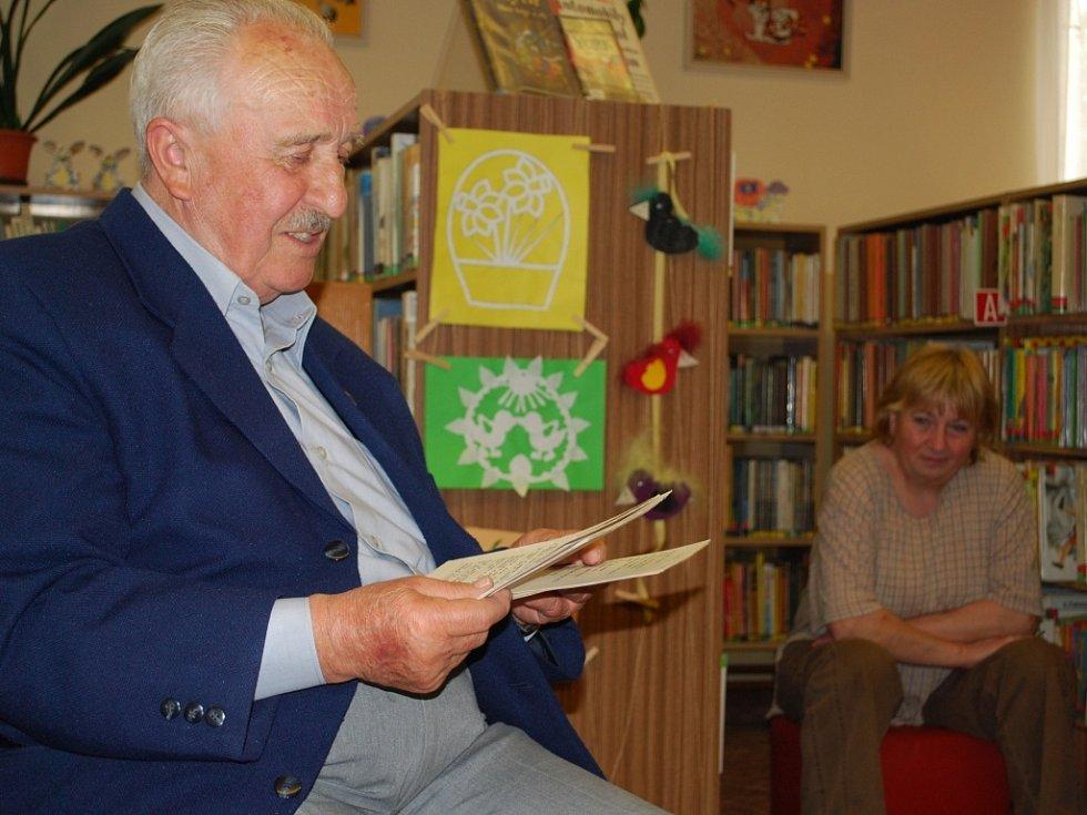 František Kadoch představuje své dílo.