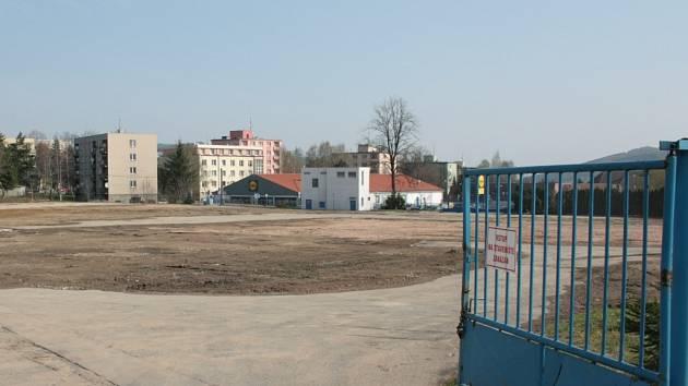 Stavba obchodního centra ještě nezačala.