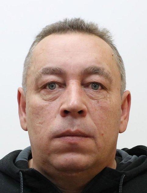 Prachatičtí policisté žádají veřejnost ospolupráci při pátrání po pohřešovaném muži.  Je jím František Chromý.