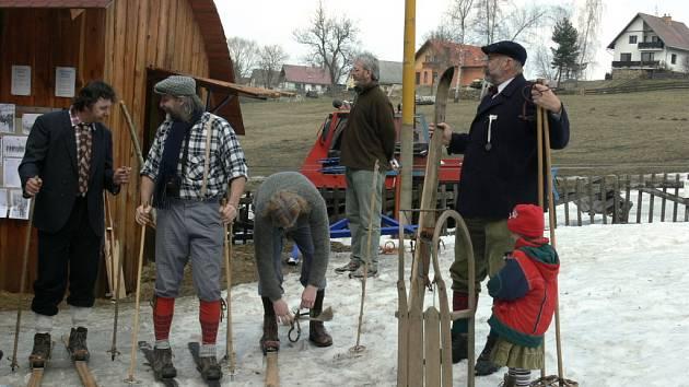 Dne 4. dubna pořádala prachatická tělovýchovná jednotka akci na sjezdovce na Labínském Sedle, kde se sešli lyžníci, kteří tak připomněli tradici prachatického lyžování.