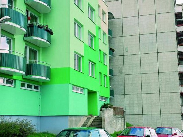 ZATEPLOVÁNÍ. Nájemníci ze tří vimperských městských panelových domů se dočkají nové fasády nebo oken, podle toho, zda už mají venkovní plášť zateplený.