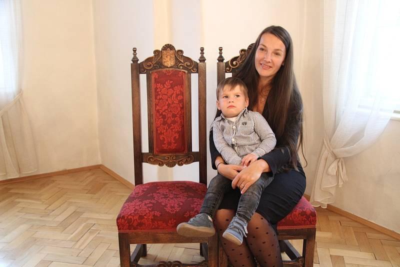 Sebastián Pivoňka s maminkou Simonou.