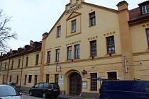 Budova Žižkových kasáren, kam se Rodinné centrum Sluníčko přestěhovalo.
