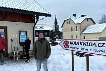 Vojtěch Vocelka z Kvildy je součástí týmu, který se stará o běžecké stopy. Najet je v okolí Kvildy trvá přes tři hodiny.