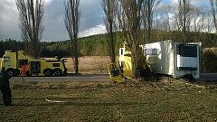 Při tragické nehodě na silnici I/4 mezi obcí Kbelnice a Dobev zemřela v pátek 24. února spolujezdkyně v havarovaném kamionu.