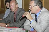 Kandidátem na nového starostu Vimperka je Pavel Dvořák (uprostřed).