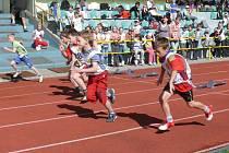 Žáci prvního stupně ZŠ na Prachaticku měli svou atletickou olympiádu.