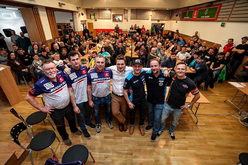 Rallyshow Vacov při premiéře zaplnila sál do poslední židle.
