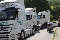 Do Lažišť zamířila bezmála stovka trucků, která se vydala na spanilou jízdu. Bohatý program organizátoři připravili u místního sportovního areálu.