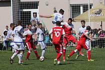 Fotbalová I.A třída: Lhenice - Nová Ves 4:2.