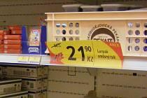 Při nákupu v drogerii je dobré důkladně prohlédnout ceny výrobků, slevové akce se velmi vyplatí. Ilustrační foto.